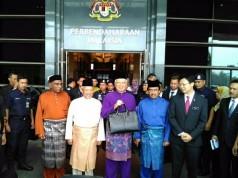 Budget 2016 Malaysia - Najib leaving MOF
